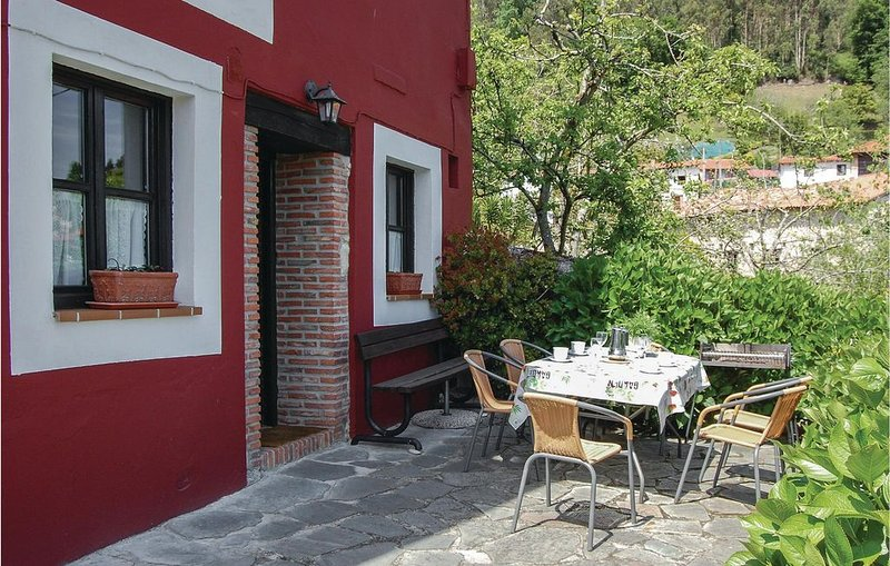 3 Zimmer Unterkunft in Tresgrandas, location de vacances à Cavandi
