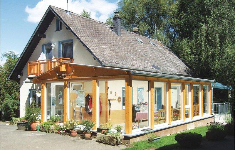 5 Zimmer Unterkunft in Kümbdchen, holiday rental in Uhler
