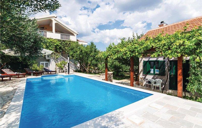 5 Zimmer Unterkunft in Lisane Ostrovicke, casa vacanza a Velika Cista