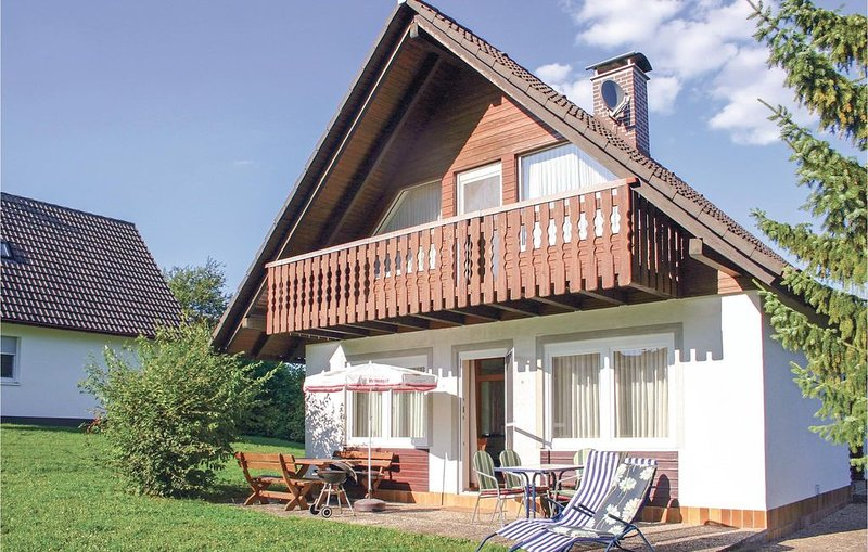 3 Zimmer Unterkunft in Oberaula OT Hausen, location de vacances à Neukirchen