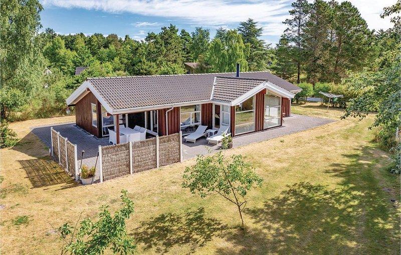3 Zimmer Unterkunft in Sjællands Odde, holiday rental in Hoensinge