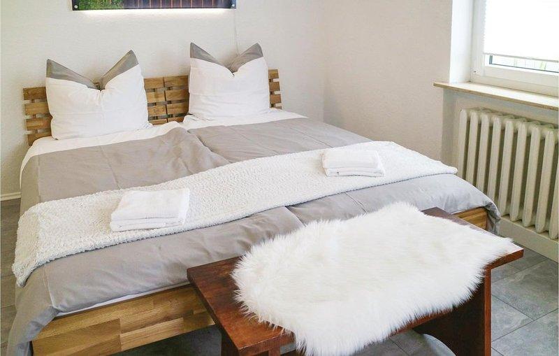1 Zimmer Unterkunft in Rostock, holiday rental in Roggentin