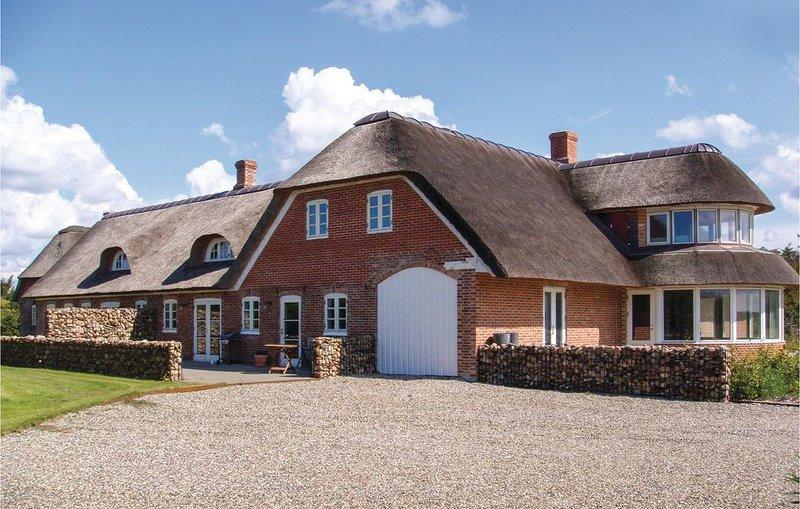 12 Zimmer Unterkunft in Ulfborg, holiday rental in Thorsminde