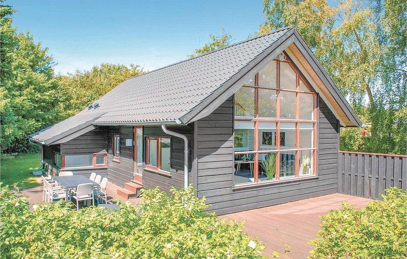 3 Zimmer Unterkunft in Ebeltoft, location de vacances à Femmoeller