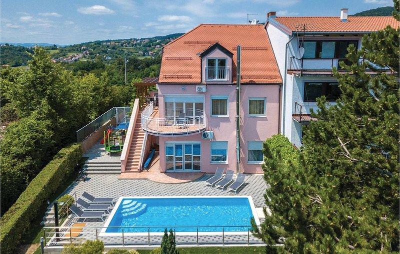 6 Zimmer Unterkunft in Zagreb, holiday rental in Veliko Trgovisce
