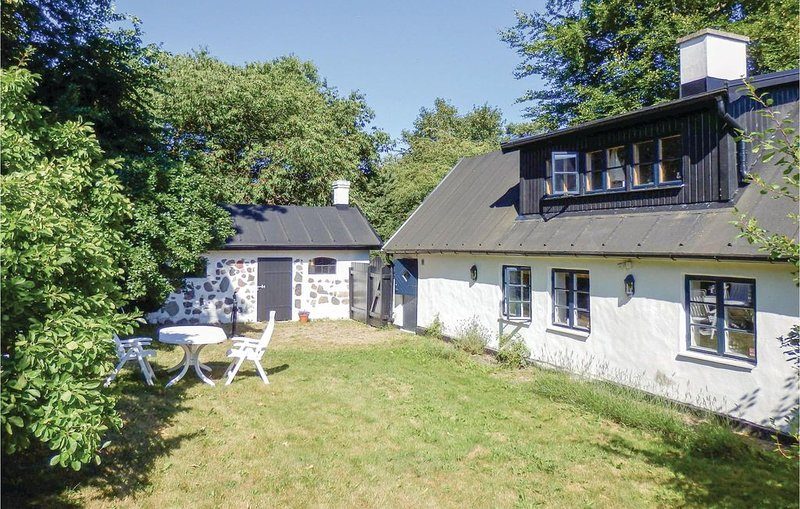 2 Zimmer Unterkunft in Borrby, vacation rental in Karlaby