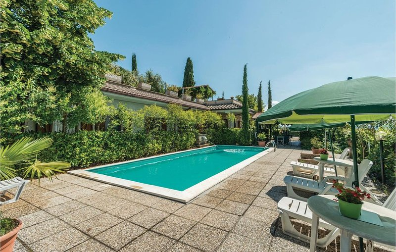 2 Zimmer Unterkunft in Magione -PG-, holiday rental in Corciano