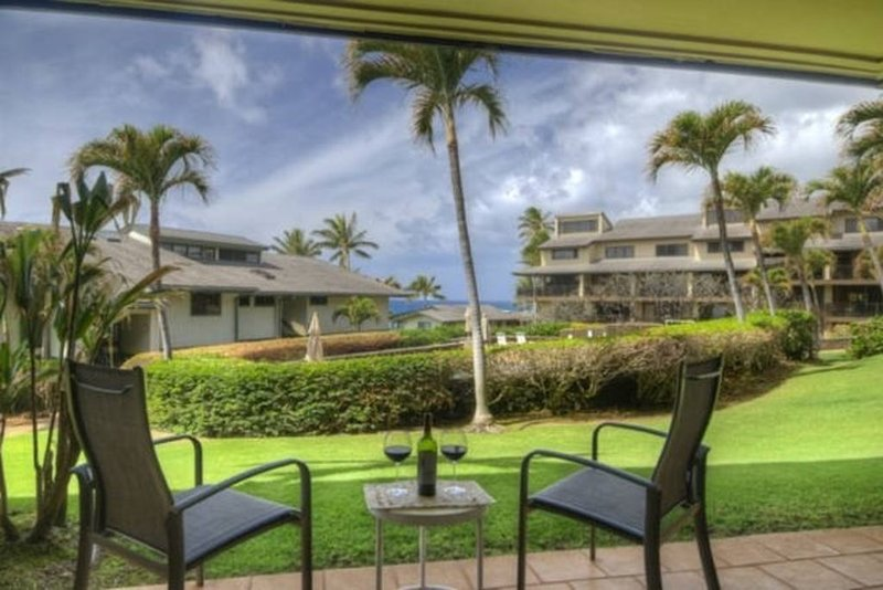 Incredible 3BR/2BA Ocean View (Just Remodeled) Nicest Condo in Poipu! Very Quiet, Ferienwohnung in Koloa