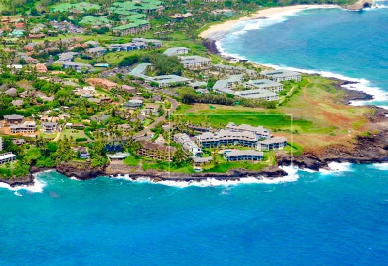 Vista fabulosa do complexo com Shipwreck Beach acima!