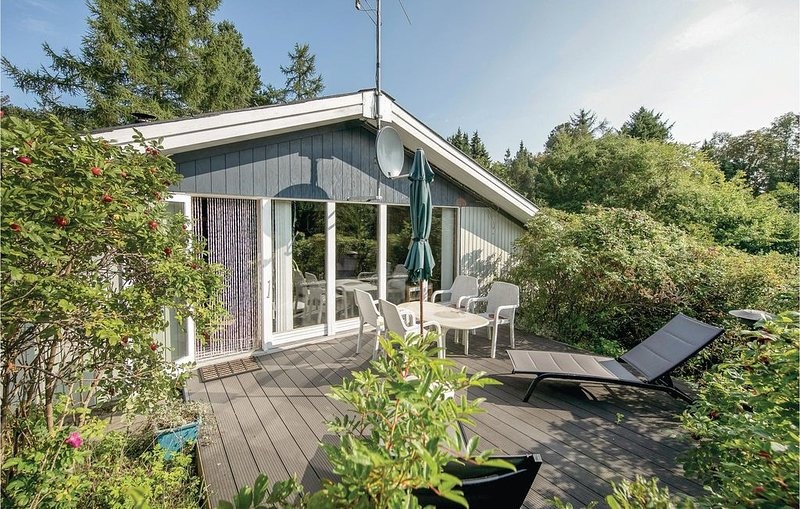 2 Zimmer Unterkunft in Hadsund, vacation rental in North Jutland