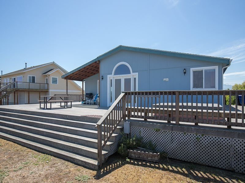 Big house on the spectacular beach.  Central to all activities., vacation rental in Sequim