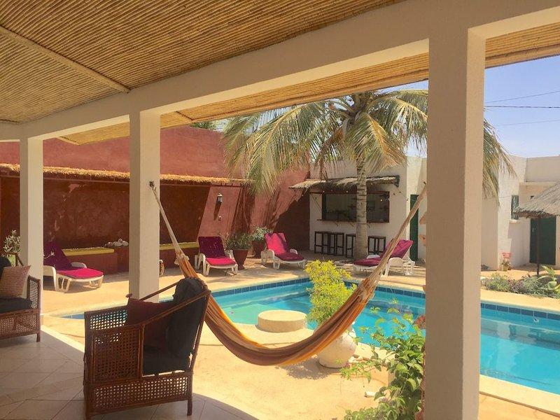 Magnifique Villa Homère Mer et lagune/ piscine privée, holiday rental in Joal Fadiouth