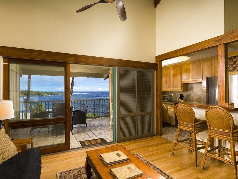 Hana Kai Maui -Oceanview'Lankakila'Unit#203 Upper Floor-Stunning View,Warm Decor, holiday rental in Hana