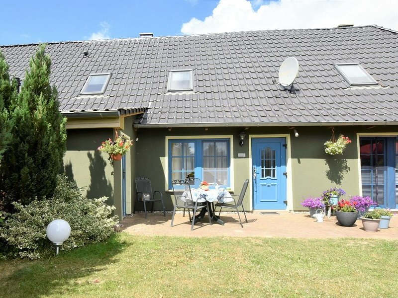 Peaceful Apartment in Maltzien with Lake Nearby, holiday rental in Poseritz
