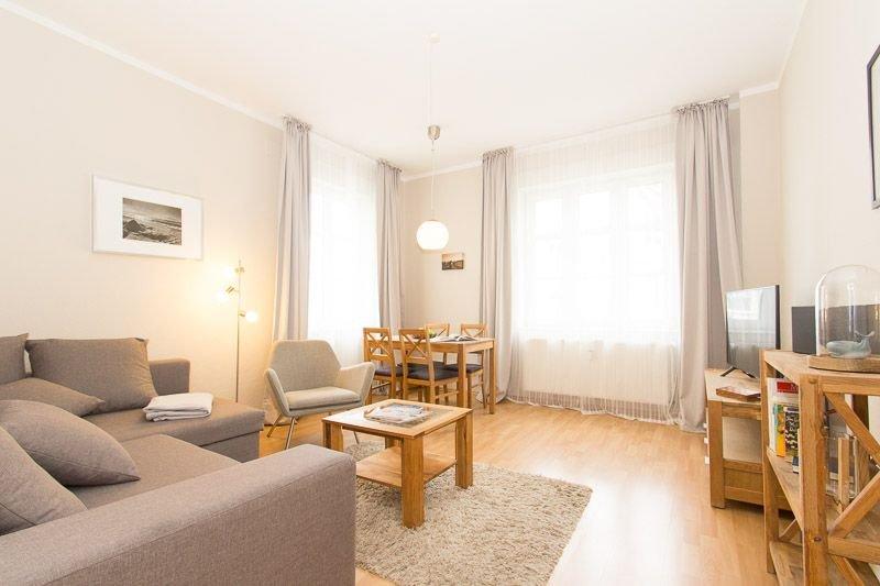 Seglerkoje – Meeresart, strandnahe gemütliche Wohnung, 2 – 3 Pers., location de vacances à Rostock