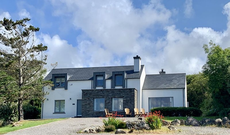 Luxury in Connemara,  on the grounds of the beautiful Renvyle House Hotel, vakantiewoning in Tully