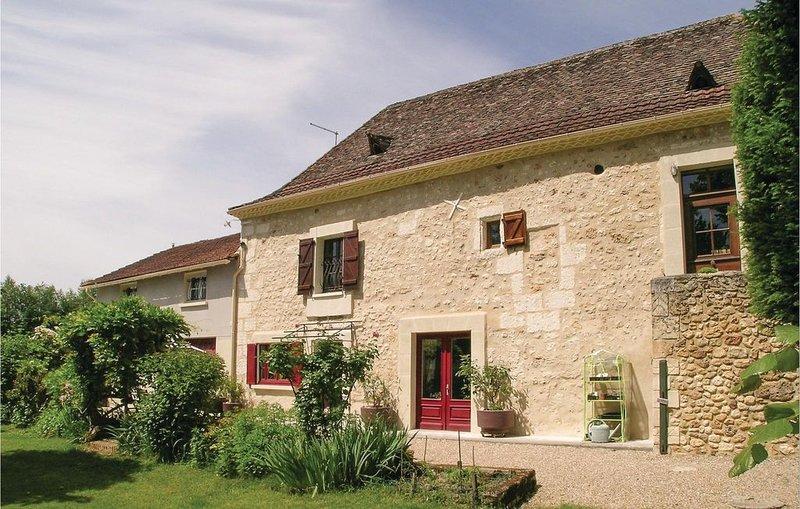 6 Zimmer Unterkunft in St Martin des Combes, vacation rental in Saint-Martin-des-Combes