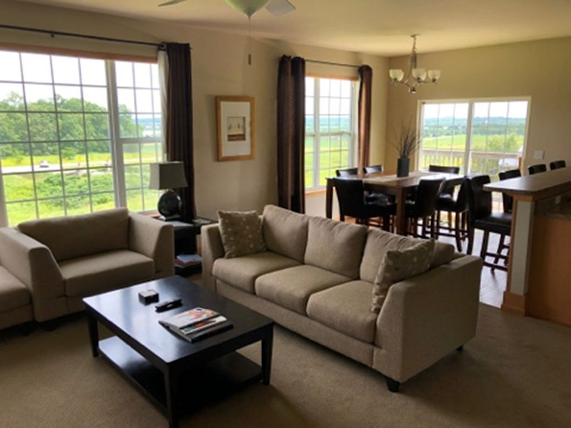 Your Beautiful Golf Getaway Destination!, holiday rental in North Liberty