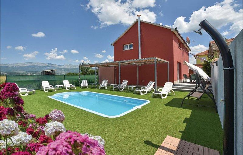 3 Zimmer Unterkunft in Trilj, holiday rental in Vedrine