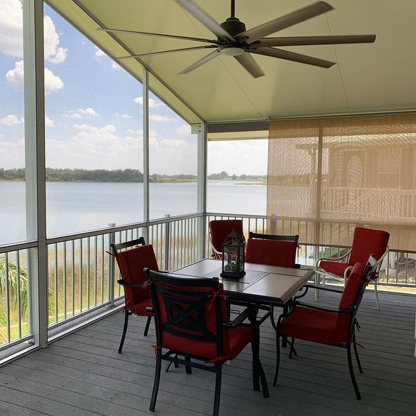 Lake front gated community resort, holiday rental in Lake Wales