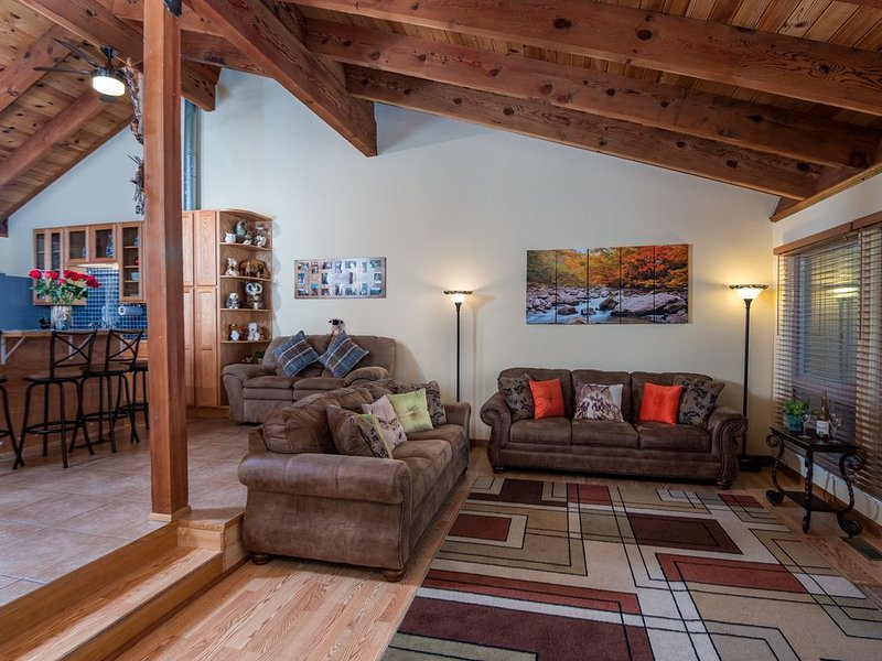 Fully Remodeled Spacious 3 Br/2 Ba Townhouse (Sleeps 8) ~ Minutes From Heavenly – semesterbostad i Zephyr Cove