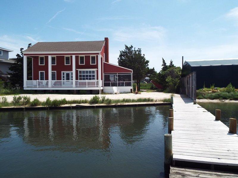 Located in the Heart of Dewey Beach Delaware. Flexible check in day!, location de vacances à Dewey Beach