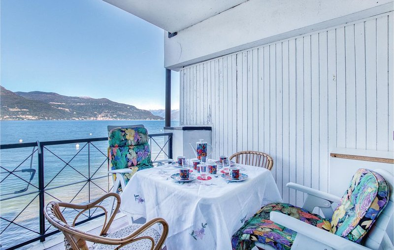 2 Zimmer Unterkunft in Porto Valtravaglia, vacation rental in Porto Valtravaglia