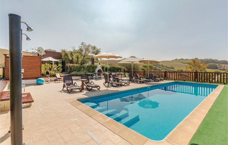 2 Zimmer Unterkunft in Montegranaro FM, vacation rental in Morrovalle