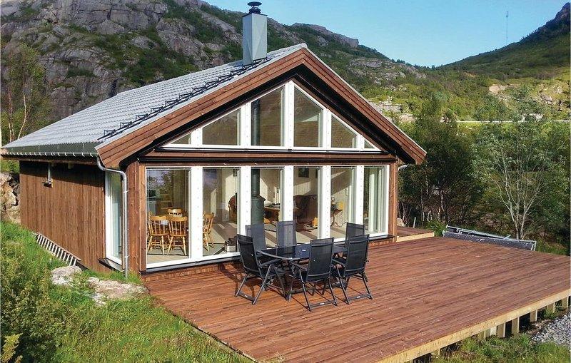 2 Zimmer Unterkunft in Bøstad, holiday rental in Fraena Municipality