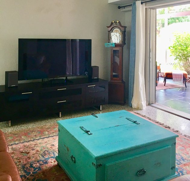 'New to You' A Coastal Mid century modern home, holiday rental in Sarasota