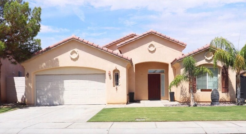 Spacious home near Empire Polo Grounds, holiday rental in Coachella
