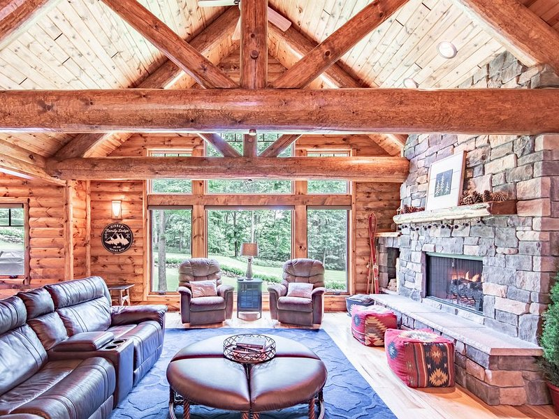 Magnificent 5BR Ski In/Ski Out Edelweiss Lodge in Exclusive Gated Community!, vacation rental in Charlevoix County