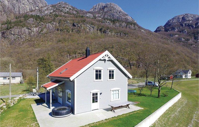 4 Zimmer Unterkunft in Dirdal, location de vacances à Jorpeland