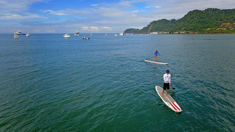 Si le gustan las actividades acuáticas, podemos configurar su clase de SUP, clase de surf, etc. con el mejor surfista.