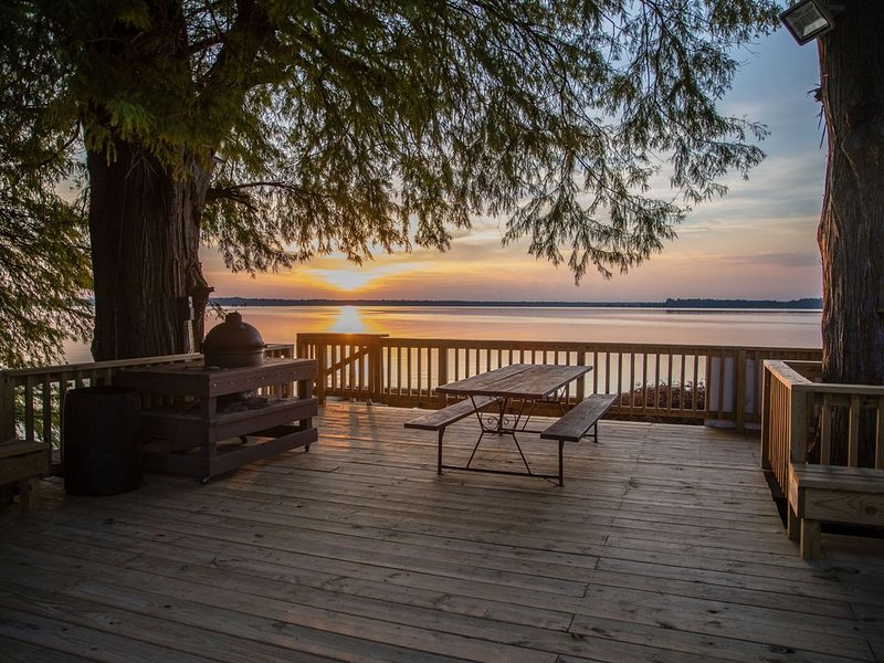 The Nicest Place on Reelfoot Lake for a Group of Family or Friends, location de vacances à Union City
