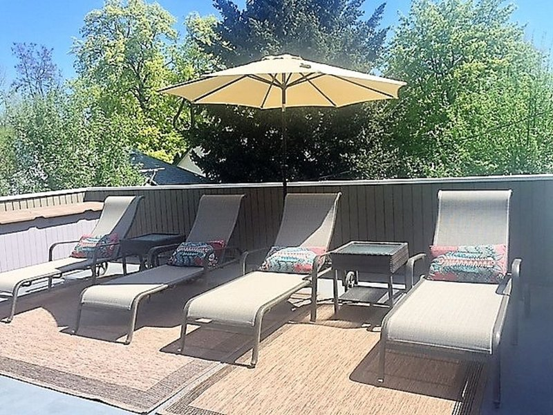 Historic Downtown Home-Beautifully Updated/Great Rooftop Deck/Walk Everywhere, alquiler vacacional en Coeur d'Alene