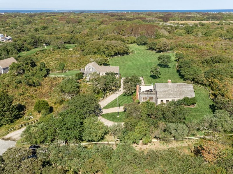 1 mi to Quidnet Beach-Private Oasis. Flexible Cancellation Policy., aluguéis de temporada em Nantucket