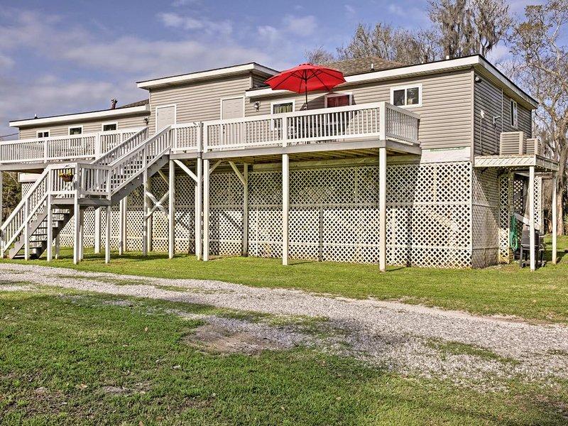 Quiet And Comfortable Three Bedroom Apartment near Falgout Canal Marina, Theriot, alquiler de vacaciones en Houma