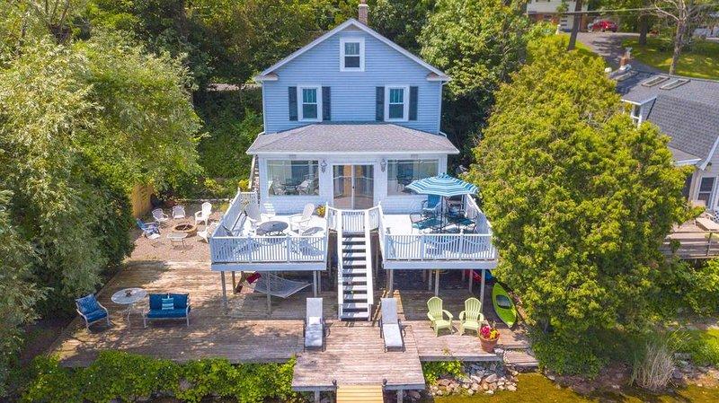 Wonderful Lake House Life: Lakeside Family Living on Cayuga Lake!, location de vacances à Seneca Falls