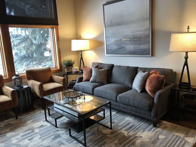 Don't Miss This One!  Gorgeous, Upscale Mountain Retreat – semesterbostad i Avon