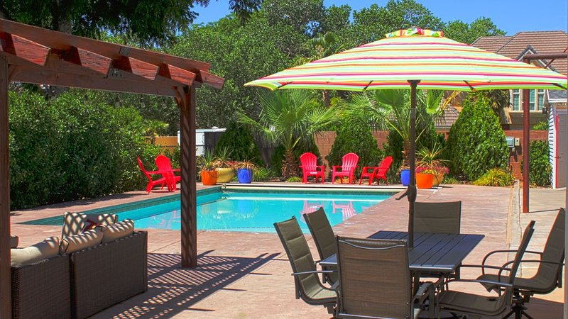 **House of Sunsets**- Private Pool, BB court, 22min from ZIONS, ST. GEORGE UT., vakantiewoning in Hurricane