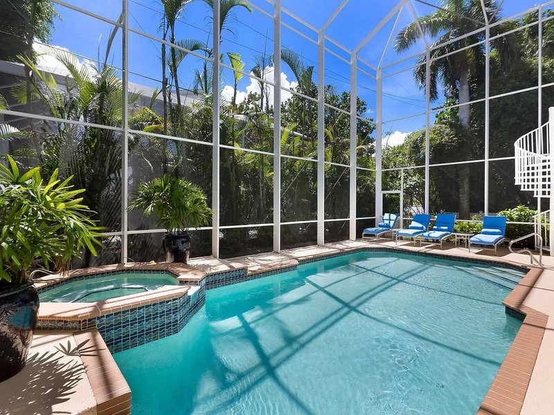 Absentminded...in  Captiva Island Village.... short stroll to the beach!, holiday rental in Captiva Island