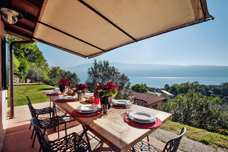 Ferienhaus, Gargnano, holiday rental in Gargnano