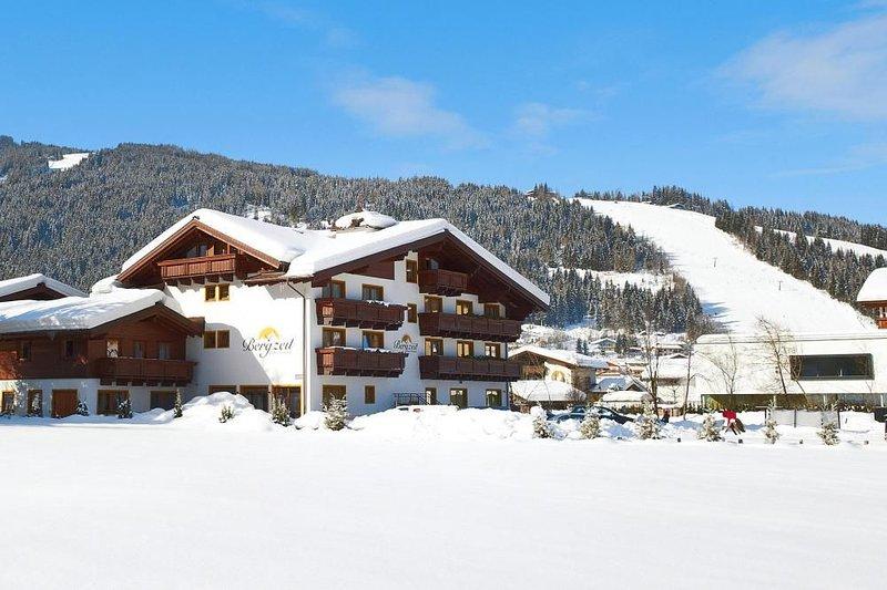 Ferienwohnungen Bergzeit, Flachau, vacation rental in Schwaighof