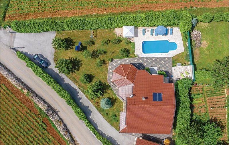 4 Zimmer Unterkunft in Vinjani Donji, vacation rental in Velim