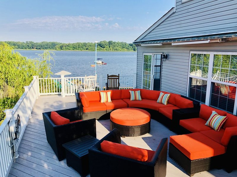 Chesapeake Bay House on Private Beach, vacation rental in Wilmington