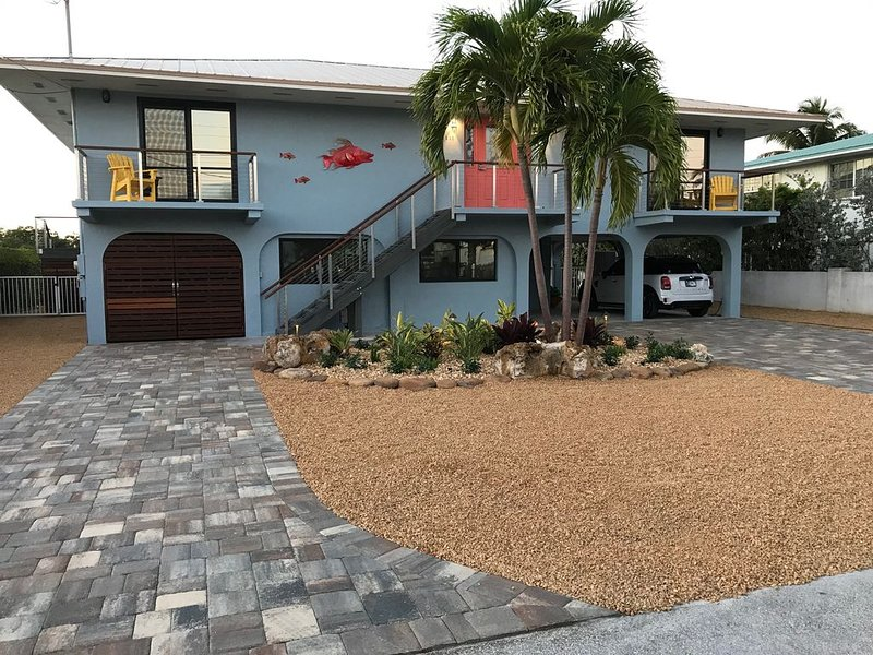 Ocean Front House, Pool, 3 Bed/3 Bath, Deep Water Dock, Kayaks, holiday rental in Marathon