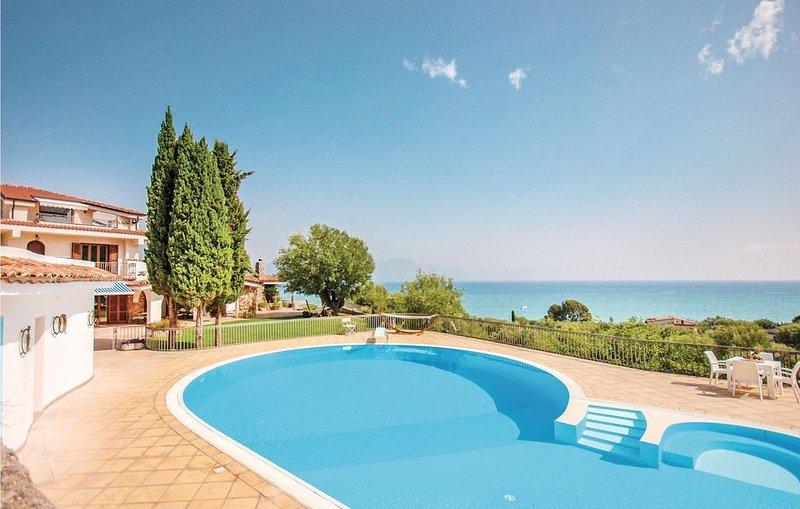 Charmante Villa mit großzügigem Pool und viel Stil, location de vacances à Scario