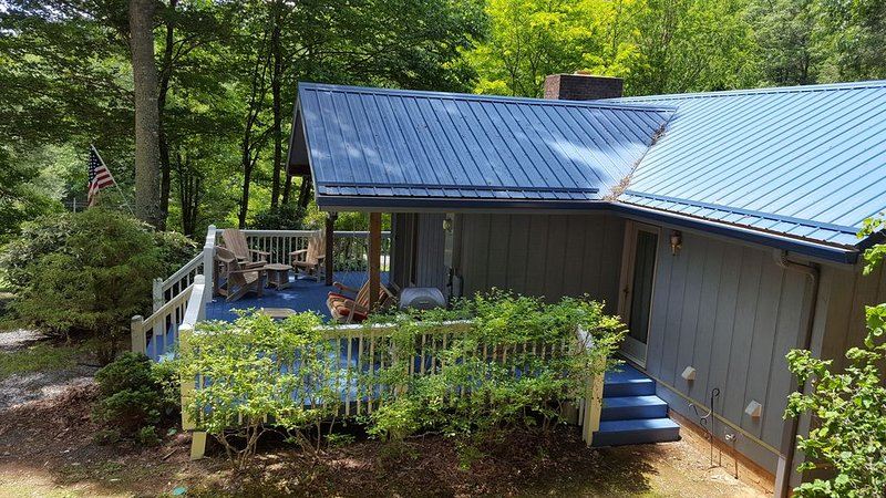 Cozy, Clean, Country Cabin, holiday rental in Fleetwood