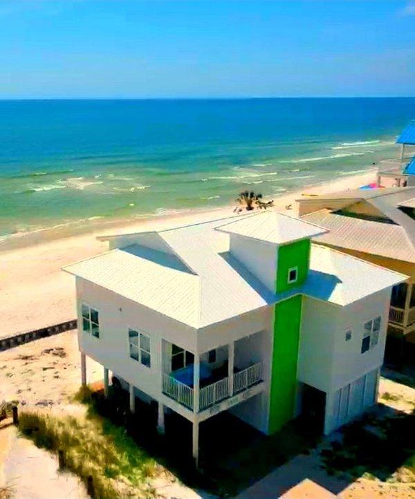 ¡Todas las fotos de la playa son posteriores al huracán Michael! ¡Lime Pie ha vuelto y mejor ahora!